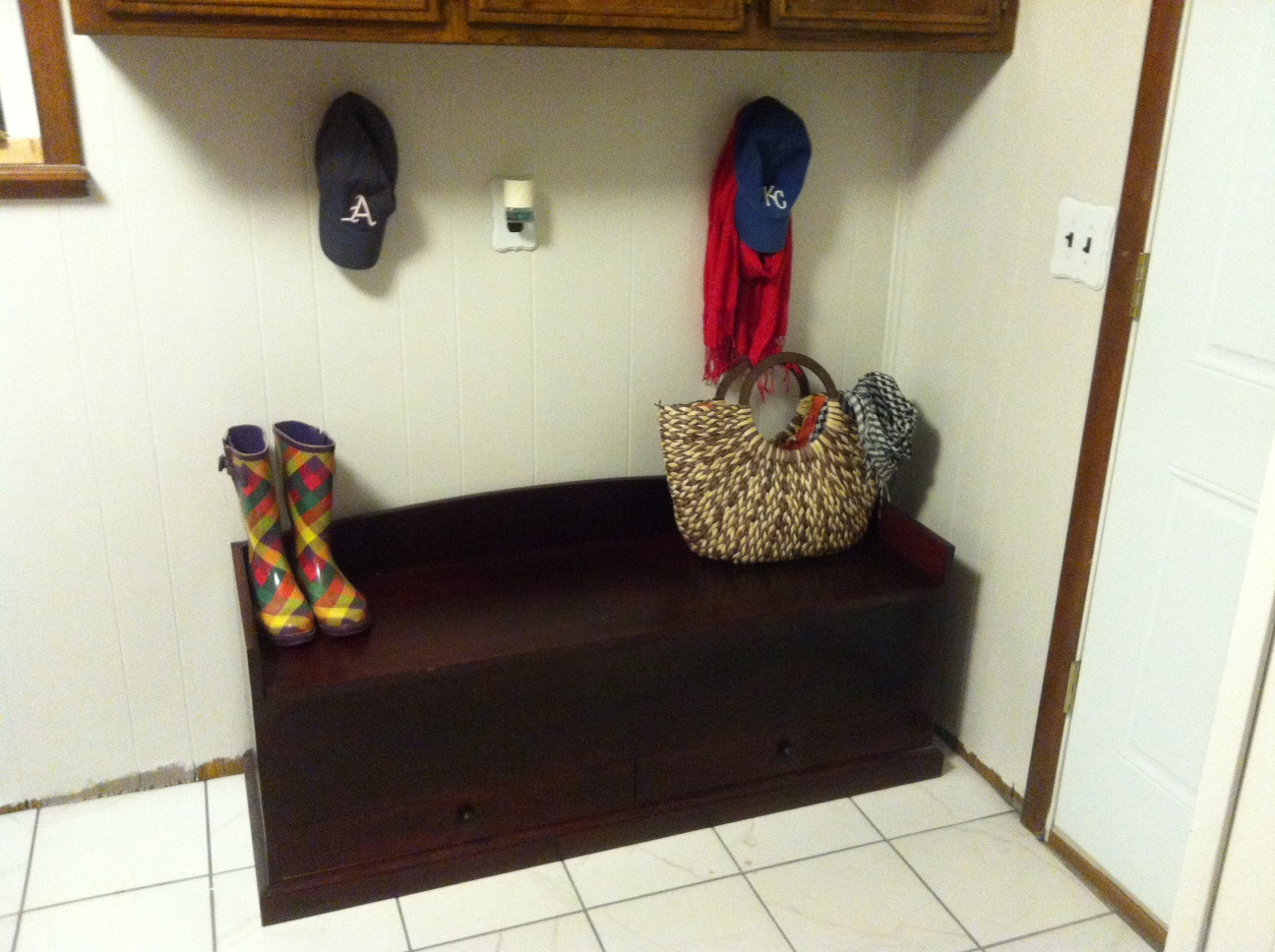 The $5 and Five-Minute Mud Room Creation