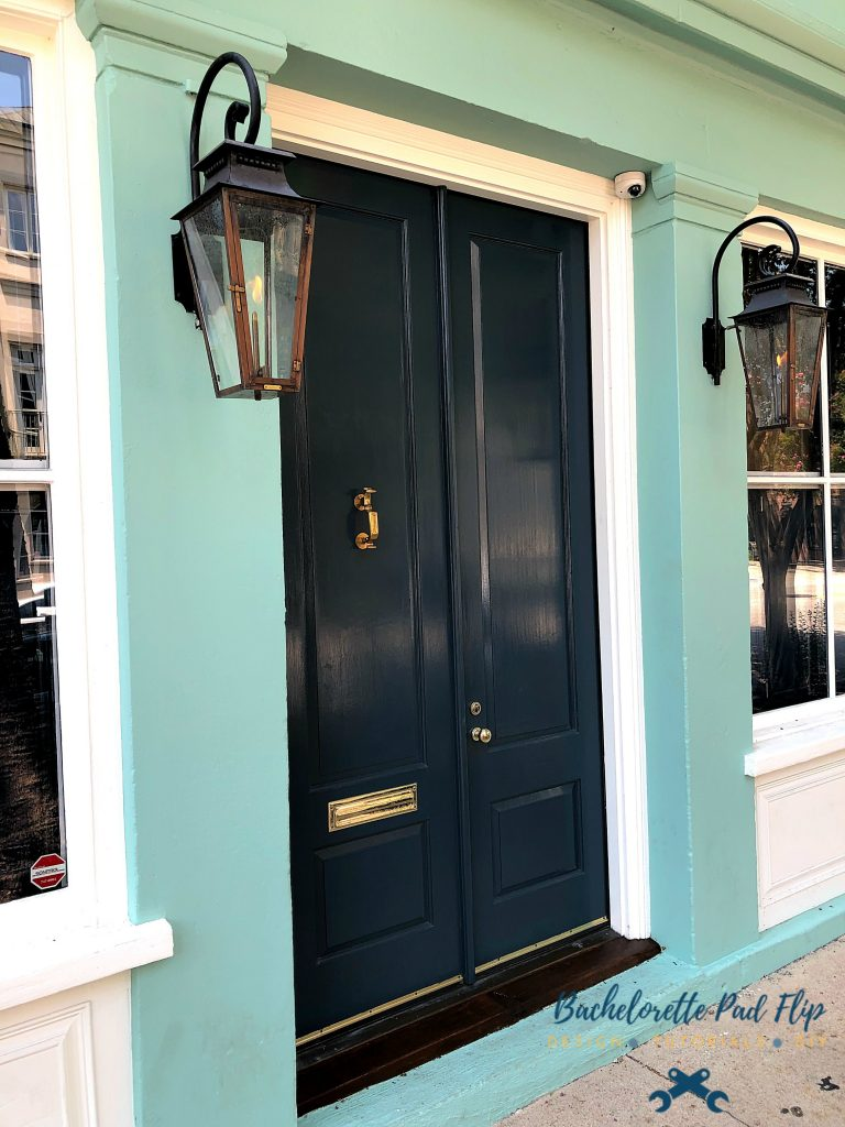 Historic Downtown Charleston lamps