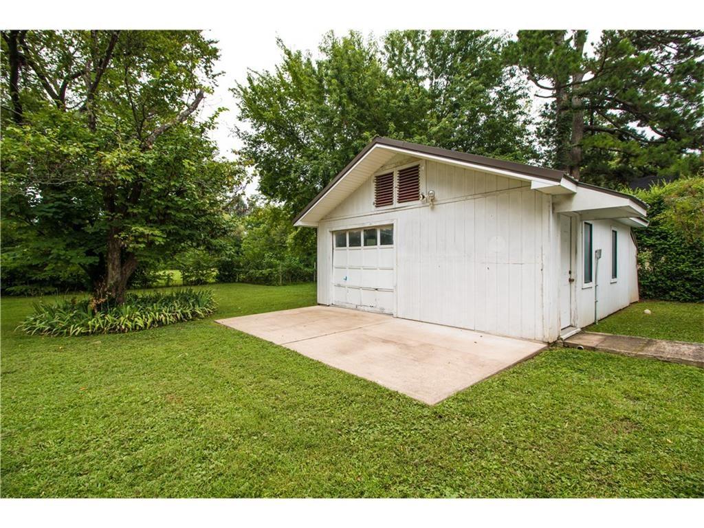 garage airbnb home depot