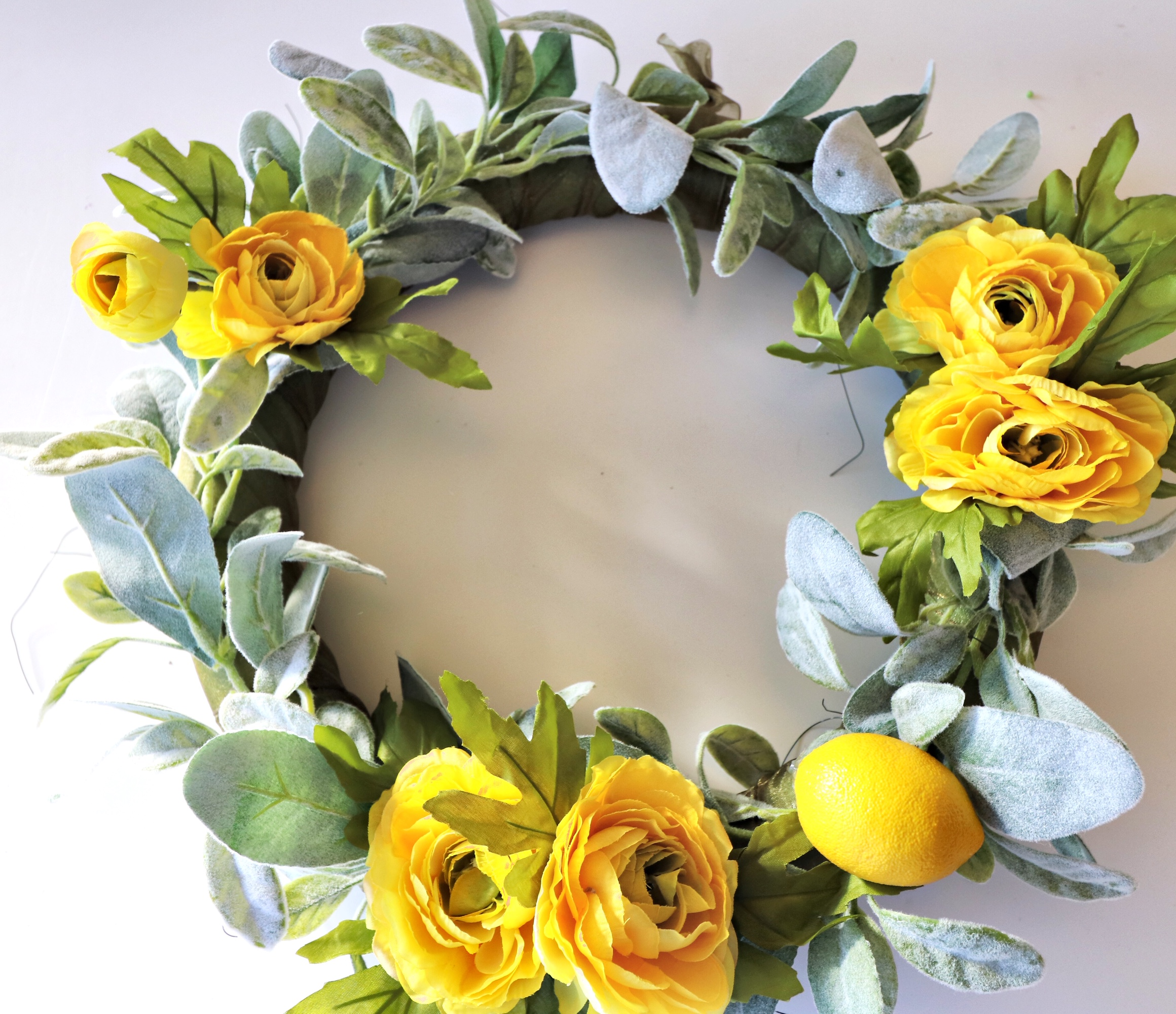 DIY spring yellow wreath