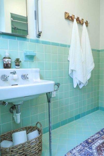 Styling A Vintage Bathroom
