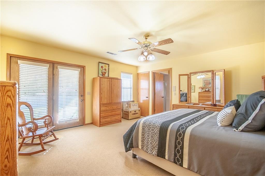 1990s bedroom style